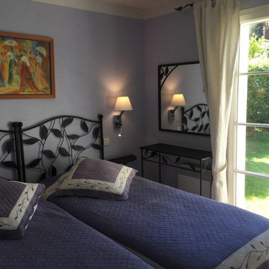 https://www.respelido.co.uk/wp-content/uploads/2016/09/chambre-location-vacances-nice-540x540.jpeg
