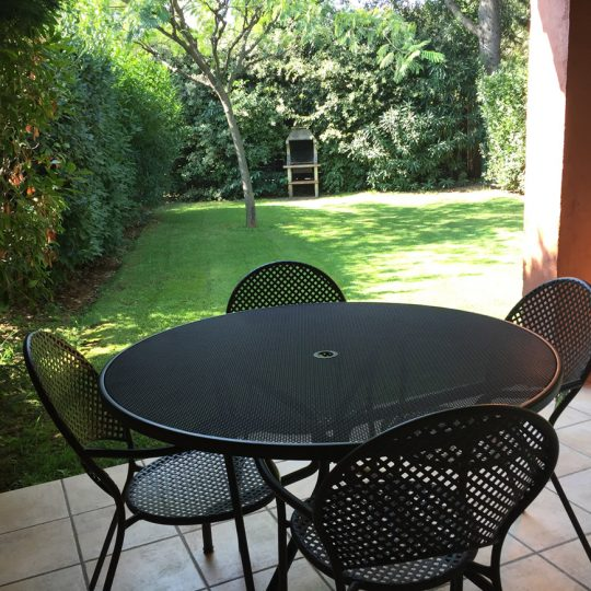https://www.respelido.co.uk/wp-content/uploads/2016/09/location-vacances-villa-nice-jardin-540x540.jpeg