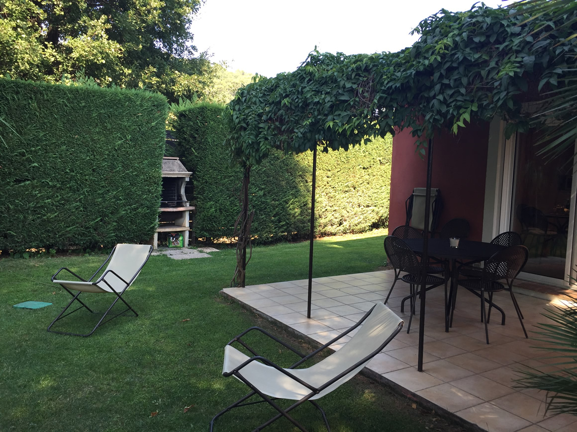https://www.respelido.co.uk/wp-content/uploads/2016/09/terrasse-villa-de-vacances-en-france.jpeg